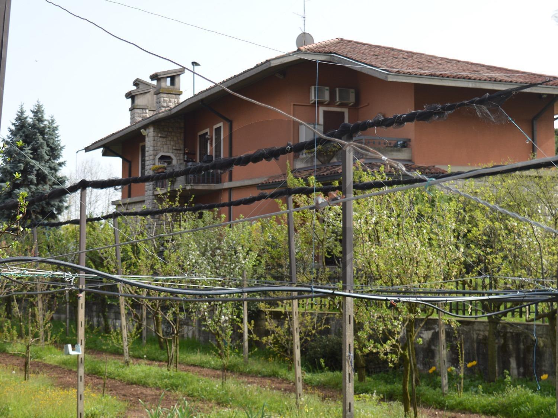 Caionvico Brescia villa singola con giardino in vendita