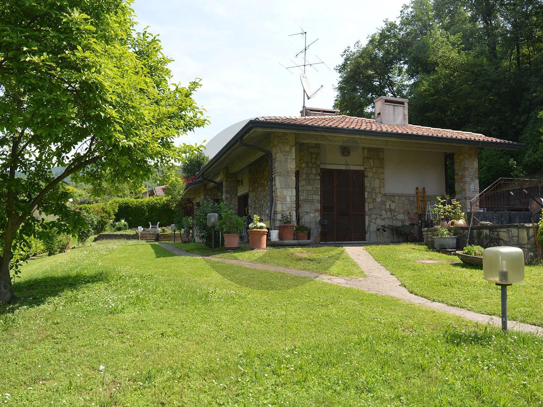 Villa in vendita a Cellatica, 5 locali, prezzo € 670.000 | PortaleAgenzieImmobiliari.it