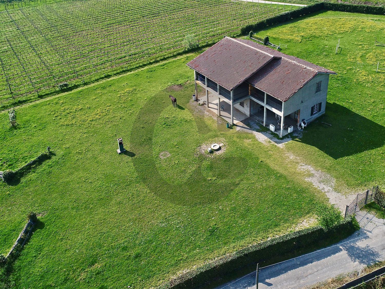 Gussago casa rustica con terreno in vendita