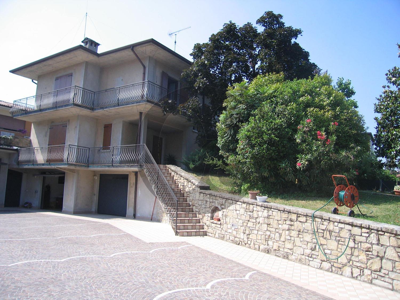 Valtenesi villa uni/bifamiliare in vendita