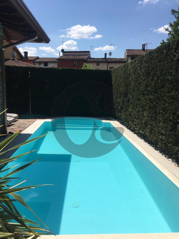 Bagnolo Mella vendita villetta con piscina