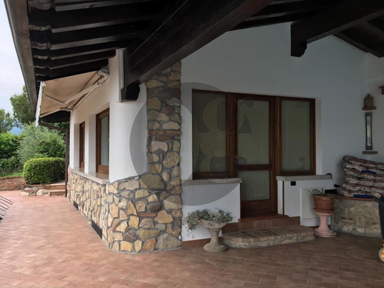 Cellatica villa con ristorante in vendita