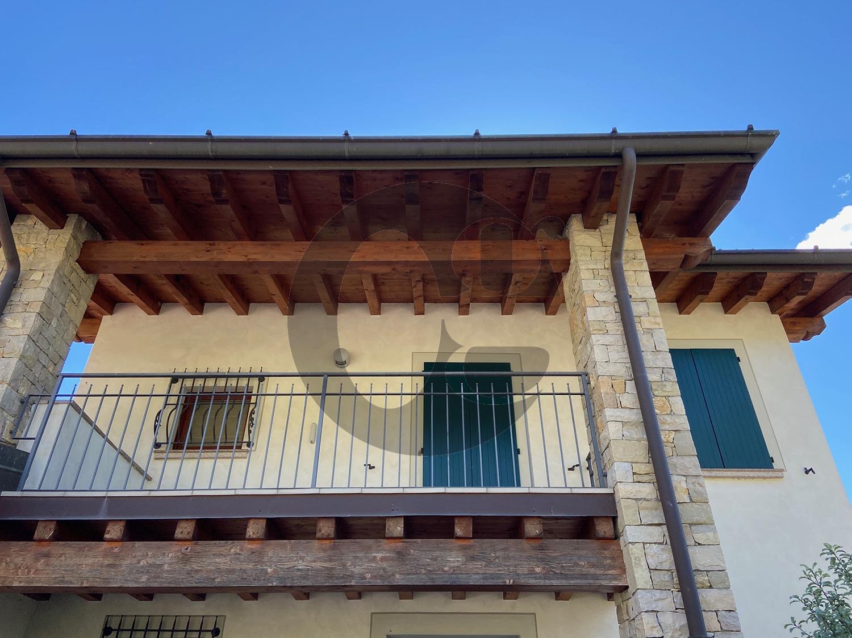 Gussago villa singola in contesto panoramico in vendita