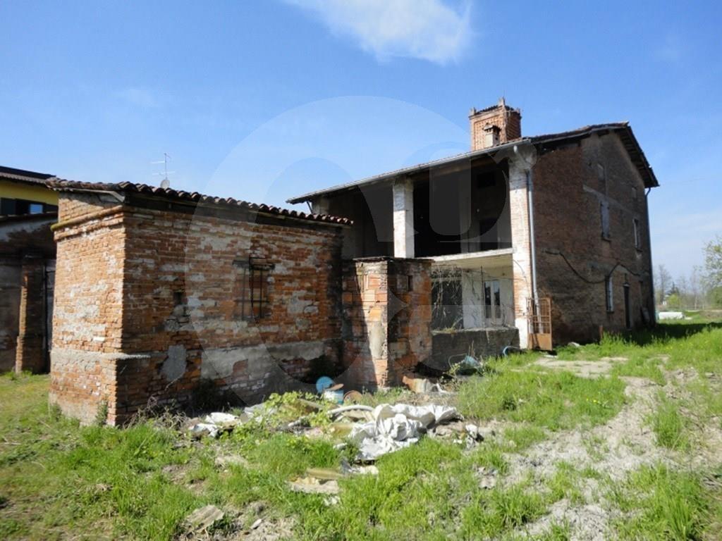 Rustico / Casale in vendita a Azzano Mella, 9 locali, prezzo € 150.000 | CambioCasa.it