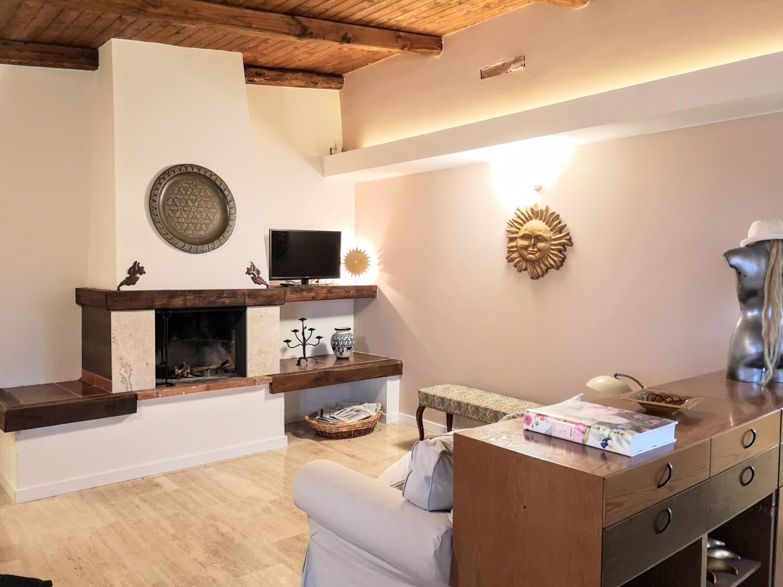 Villa in vendita a Sabaudia, 5 locali, prezzo € 180.000 | CambioCasa.it