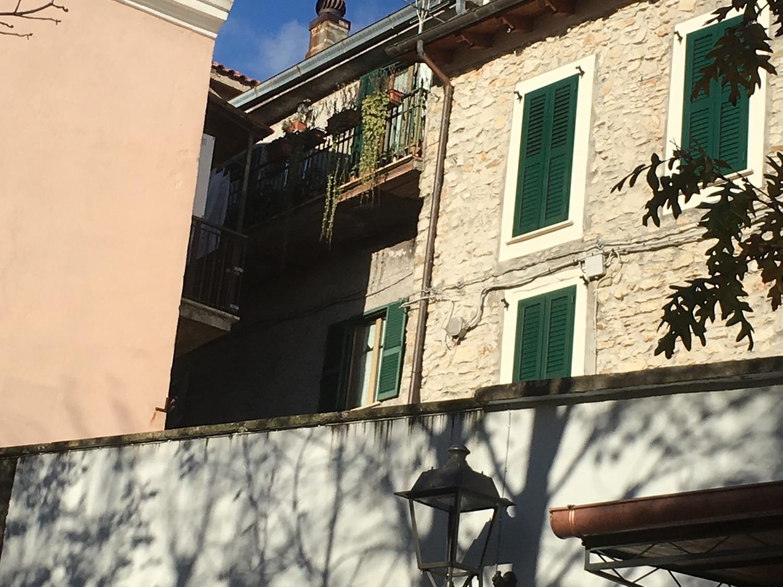 Appartamento in vendita a Cerreto Laziale, 5 locali, prezzo € 80.000 | CambioCasa.it