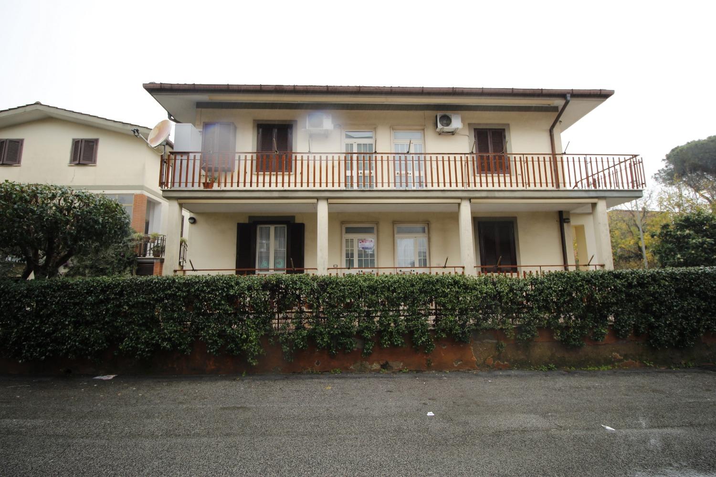 Appartamento in vendita a Roma, 3 locali, zona Zona: 18 . Ardeatino - Grotta Perfetta - Fonte Meravigliosa, prezzo € 150.000 | CambioCasa.it