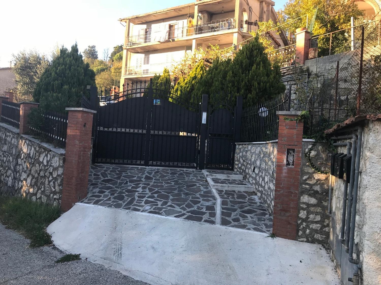 Appartamento in vendita a Ciciliano, 5 locali, prezzo € 150.000   CambioCasa.it