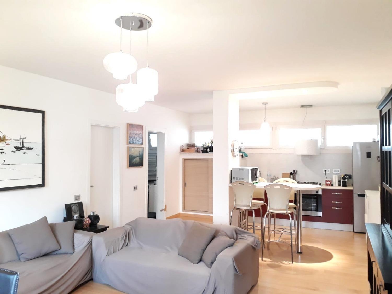 Appartamento in vendita a Roma, 3 locali, zona Zona: 22 . Eur - Torrino - Spinaceto, prezzo € 289.000 | CambioCasa.it