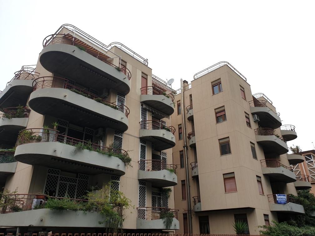 Appartamento in vendita a Roma, 4 locali, zona Zona: 18 . Ardeatino - Grotta Perfetta - Fonte Meravigliosa, prezzo € 560.000 | CambioCasa.it