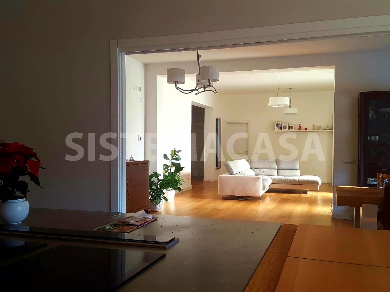 Villa in vendita a Roma, 7 locali, zona Zona: 22 . Eur - Torrino - Spinaceto, prezzo € 780.000   CambioCasa.it