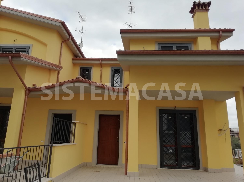 Villa in vendita a Roma, 5 locali, zona Zona: 8 . Tiburtina, Colli Aniene, Pietrasanta, San Basilio, prezzo € 290.000 | CambioCasa.it