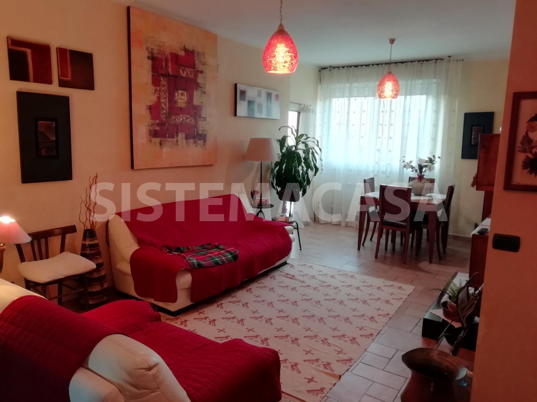 Appartamento in vendita a Roma, 4 locali, zona Zona: 22 . Eur - Torrino - Spinaceto, prezzo € 210.000   CambioCasa.it