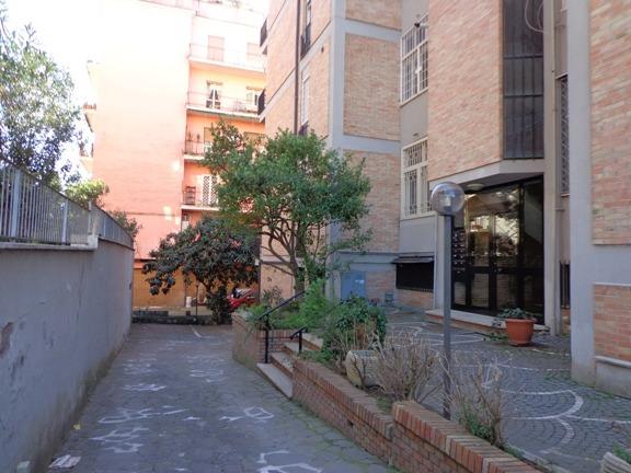 Appartamento in vendita a Roma, 5 locali, zona Zona: 18 . Ardeatino - Grotta Perfetta - Fonte Meravigliosa, prezzo € 420.000 | CambioCasa.it