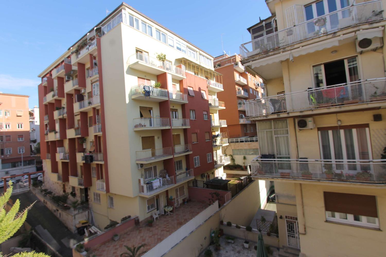 Appartamento in vendita a Roma, 2 locali, zona Zona: 24 . Gianicolense - Colli Portuensi - Monteverde, prezzo € 310.000 | CambioCasa.it