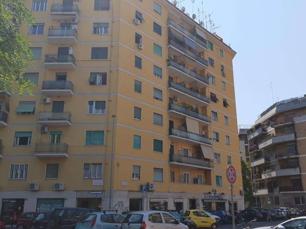 Appartamento in affitto a Roma, 2 locali, zona Zona: 3 . Trieste - Somalia - Salario, prezzo € 900 | CambioCasa.it
