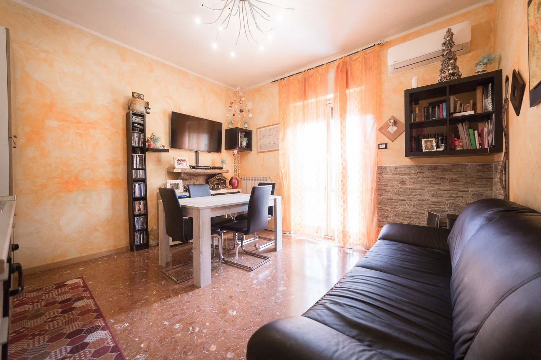 Appartamento in vendita a Roma, 3 locali, zona Zona: 38 . Acilia, Vitinia, Infernetto, Axa, Casal Palocco, Madonnetta, prezzo € 139.000   CambioCasa.it