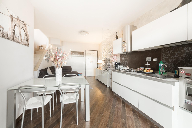 Appartamento in vendita a Roma, 3 locali, zona Zona: 38 . Acilia, Vitinia, Infernetto, Axa, Casal Palocco, Madonnetta, prezzo € 175.000 | CambioCasa.it