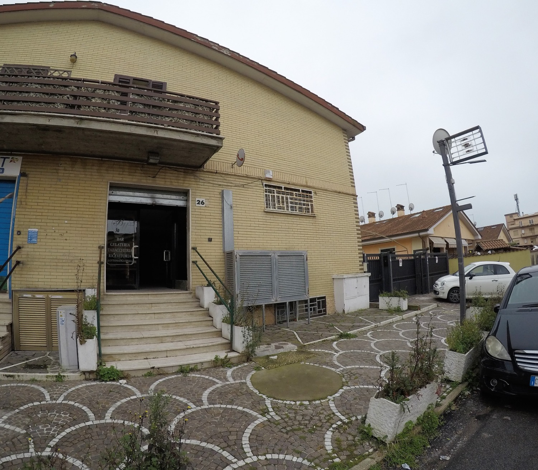 Negozio / Locale in affitto a Roma, 3 locali, zona Zona: 38 . Acilia, Vitinia, Infernetto, Axa, Casal Palocco, Madonnetta, prezzo € 1.500 | CambioCasa.it