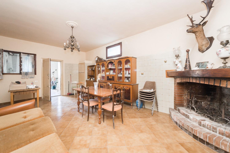 Appartamento in vendita a Roma, 6 locali, zona Zona: 38 . Acilia, Vitinia, Infernetto, Axa, Casal Palocco, Madonnetta, prezzo € 149.000   CambioCasa.it