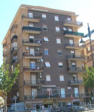 Appartamento in vendita a Ladispoli, 2 locali, prezzo € 56.953   CambioCasa.it