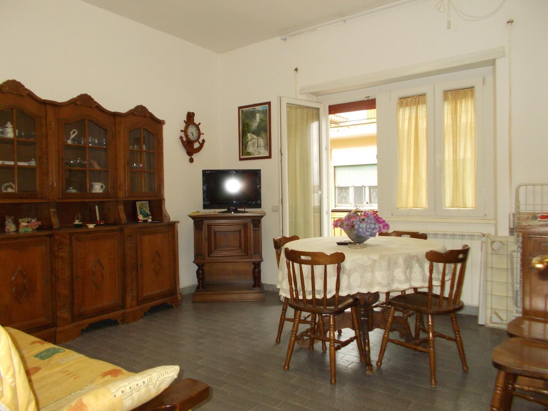 Appartamento in vendita a Ladispoli, 2 locali, prezzo € 109.000   CambioCasa.it