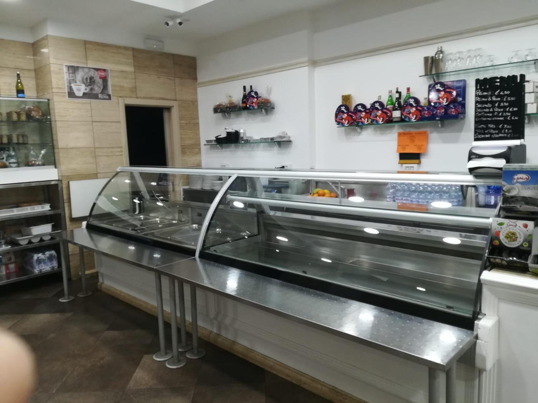 Attività / Licenza in vendita a Roma, 6 locali, zona Zona: 22 . Eur - Torrino - Spinaceto, prezzo € 350.000 | CambioCasa.it