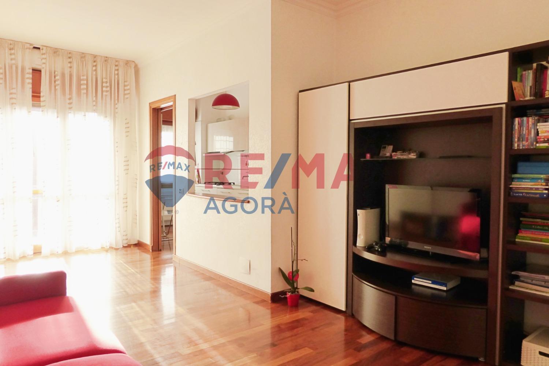 Appartamento in vendita a Roma, 2 locali, zona Zona: 22 . Eur - Torrino - Spinaceto, prezzo € 249.000 | CambioCasa.it