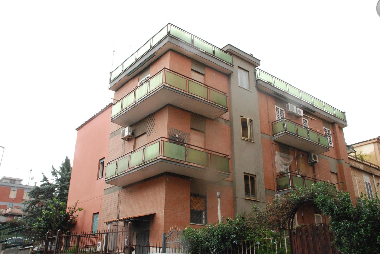 Appartamento in vendita a Roma, 5 locali, zona Zona: 11 . Centocelle, Alessandrino, Collatino, Prenestina, Villa Giordani, prezzo € 241.000 | CambioCasa.it