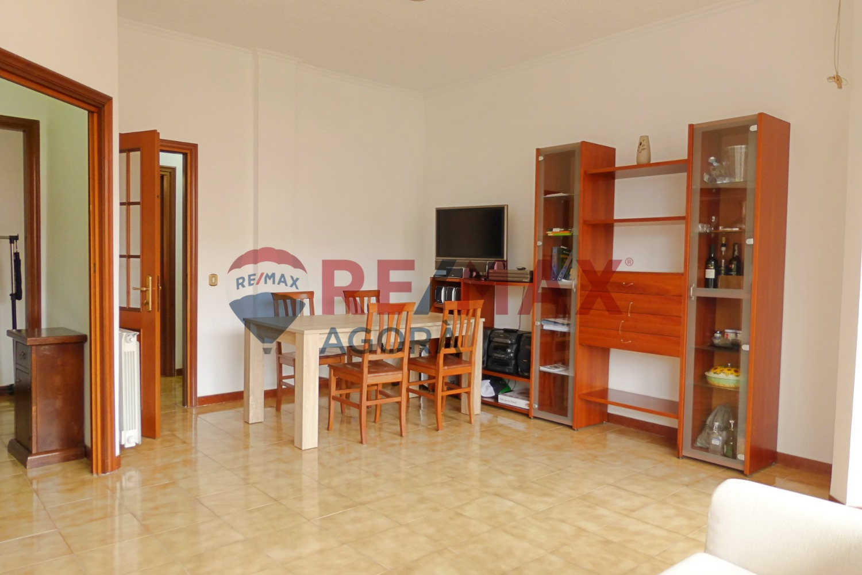Appartamento in vendita a Roma, 3 locali, zona Zona: 22 . Eur - Torrino - Spinaceto, prezzo € 265.000   CambioCasa.it