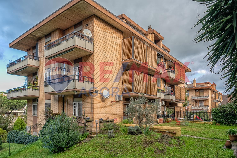 Appartamento in vendita a Roma, 6 locali, zona Zona: 22 . Eur - Torrino - Spinaceto, prezzo € 595.000 | CambioCasa.it