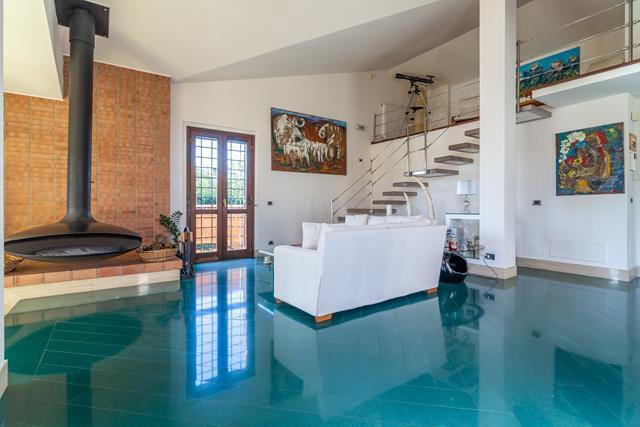 Villa in vendita a Roma, 7 locali, zona Zona: 21 . Laurentina, prezzo € 1.085.000 | CambioCasa.it