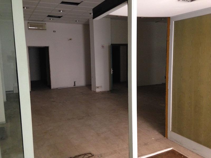 Negozio / Locale in affitto a Roma, 3 locali, zona Zona: 3 . Trieste - Somalia - Salario, prezzo € 3.000 | CambioCasa.it