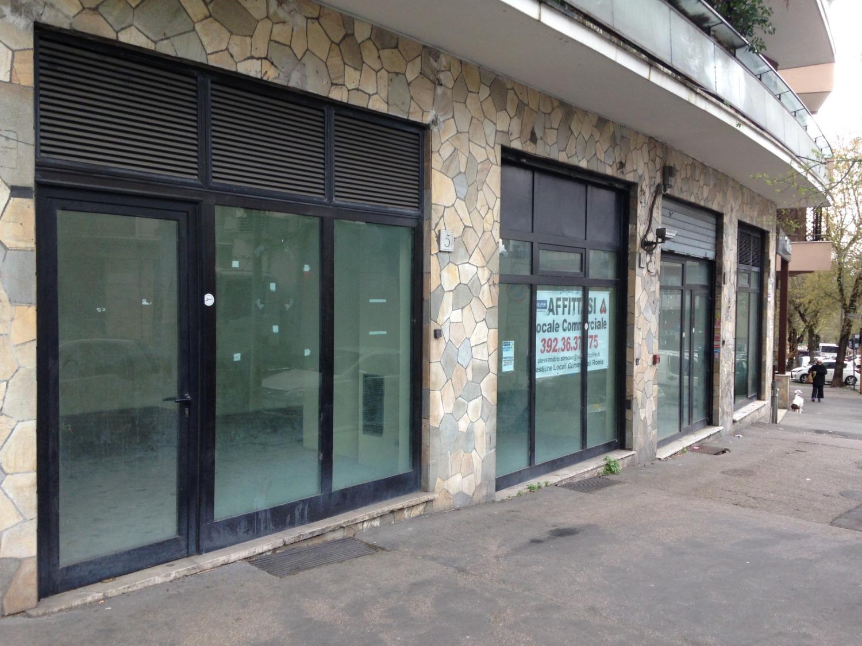 Negozio / Locale in affitto a Roma, 3 locali, zona Zona: 3 . Trieste - Somalia - Salario, prezzo € 3.500 | CambioCasa.it