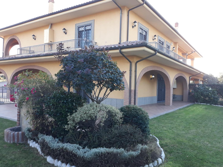 Villa in Vendita a Monte Compatri