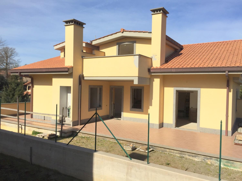 Grottaferrata  -  Villa 6 locali € 450.000 T616