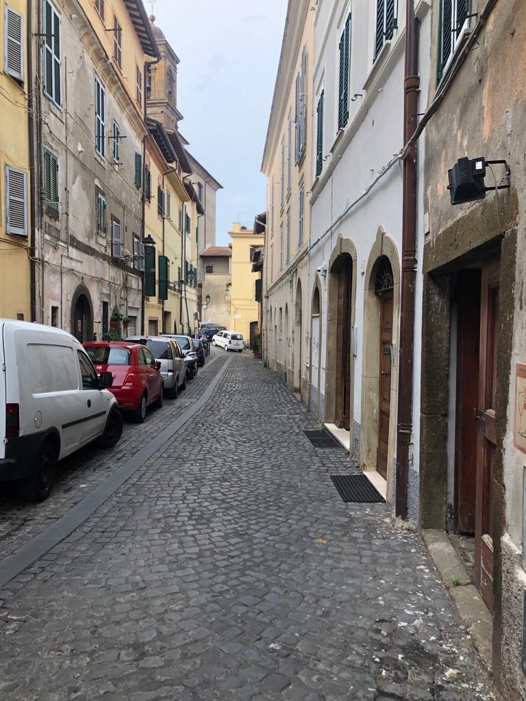 MONTE PORZIO CATONE  Attività 4 locali € 170.000 AT403