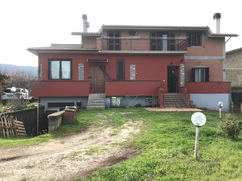 ROCCA PRIORA -  Appartamento 3 locali € 120.000 T350