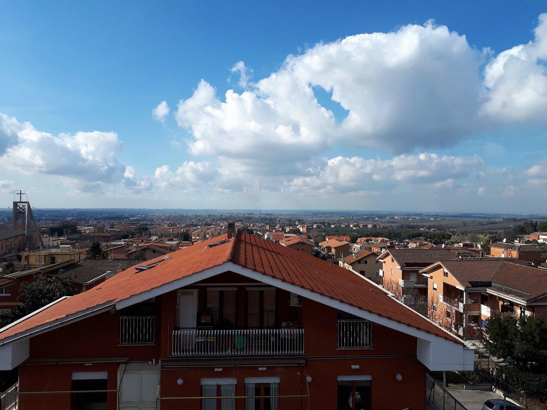 Appartamento in vendita a Castel Gandolfo, 3 locali, prezzo € 235.000 | CambioCasa.it