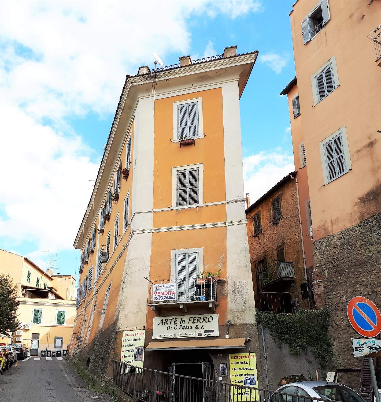 Appartamento in vendita a Albano Laziale, 3 locali, prezzo € 138.000 | CambioCasa.it