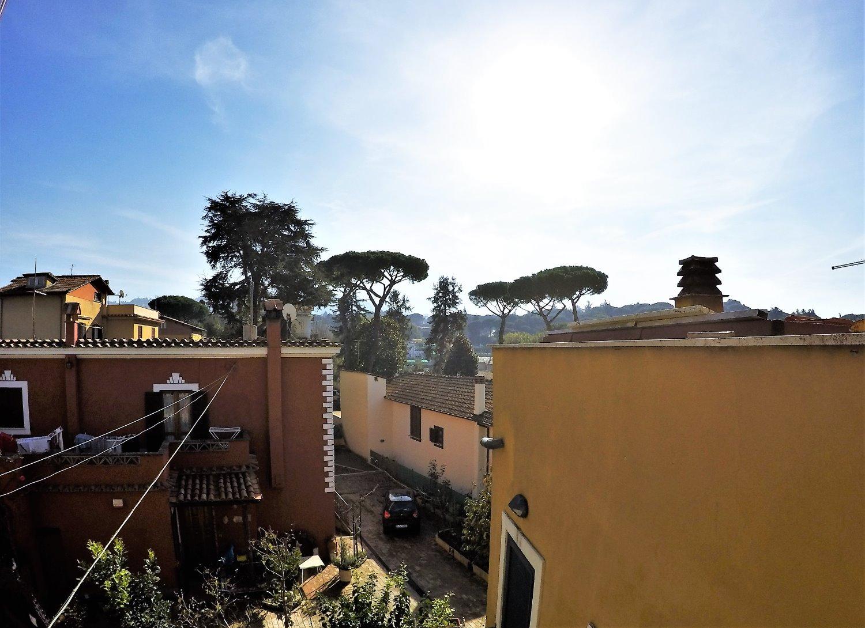 Palazzo / Stabile in Vendita a Grottaferrata