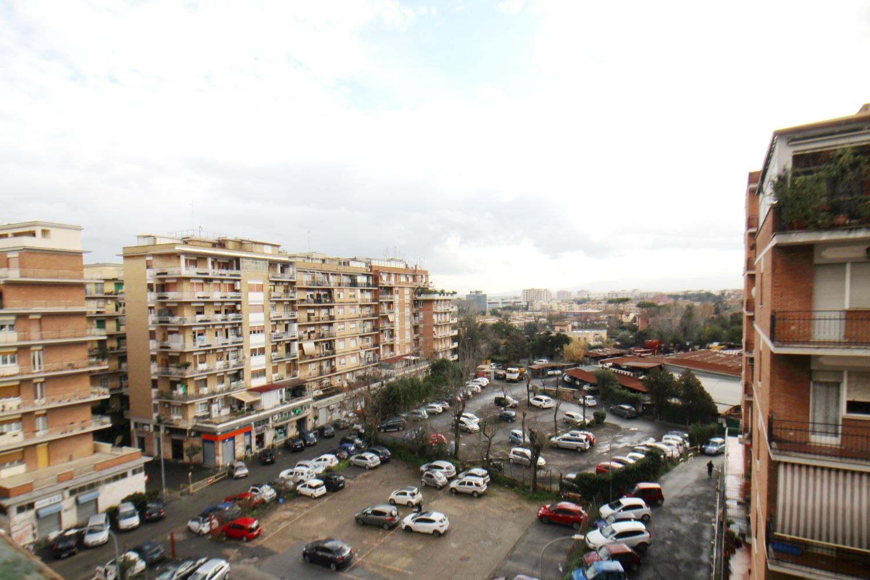 Appartamento in vendita a Roma, 3 locali, zona Zona: 8 . Tiburtina, Colli Aniene, Pietrasanta, San Basilio, prezzo € 215.000   CambioCasa.it