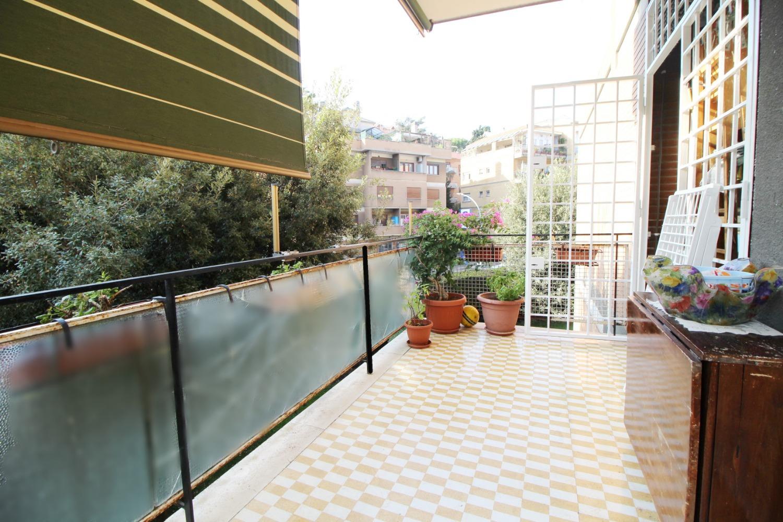 Appartamento in vendita a Roma, 2 locali, zona Zona: 23 . Portuense - Magliana, prezzo € 200.000 | CambioCasa.it