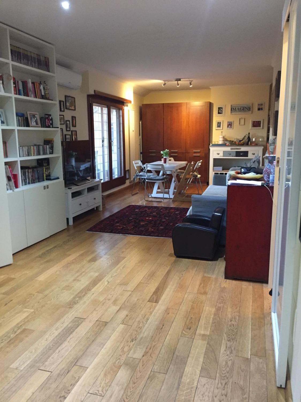 Appartamento in vendita a Roma, 3 locali, zona Zona: 21 . Laurentina, prezzo € 380.000 | CambioCasa.it