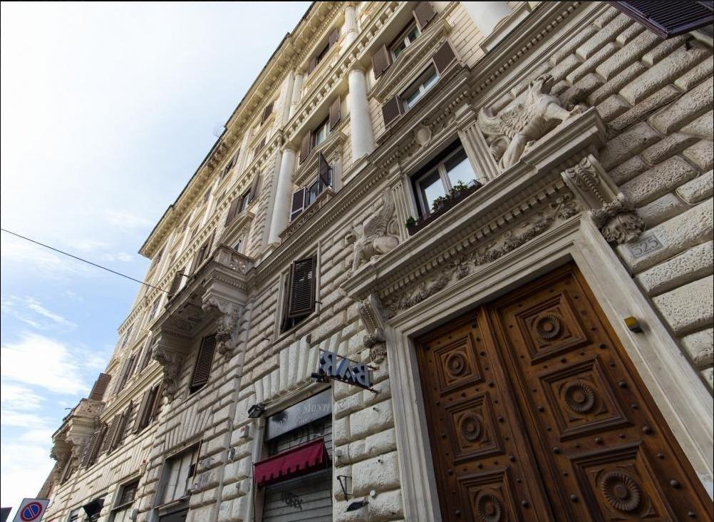 Appartamento in vendita a Roma, 8 locali, zona Zona: 1 . Centro storico, prezzo € 1.850.000 | CambioCasa.it