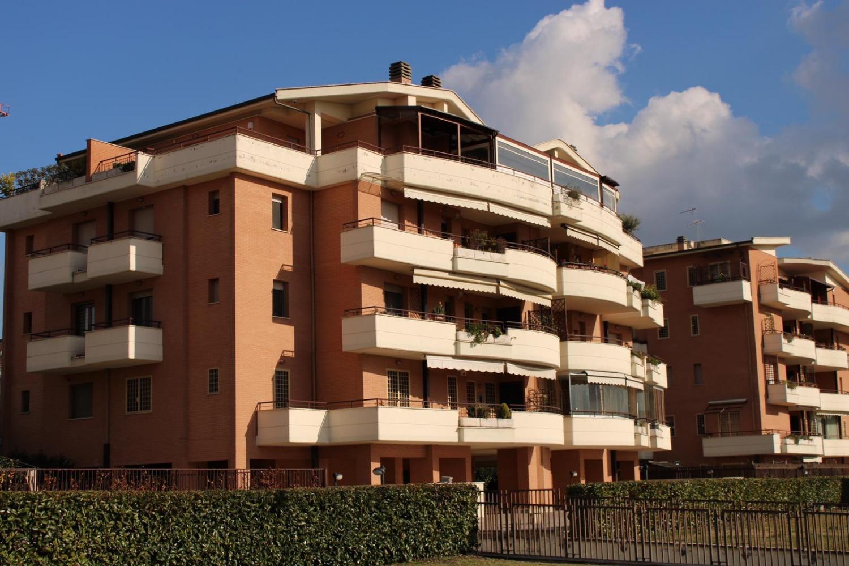 Appartamento in vendita a Roma, 4 locali, zona Zona: 22 . Eur - Torrino - Spinaceto, prezzo € 465.000 | CambioCasa.it