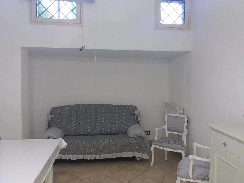 Appartamento in vendita a Roma, 4 locali, zona Zona: 18 . Ardeatino - Grotta Perfetta - Fonte Meravigliosa, prezzo € 185.000 | CambioCasa.it
