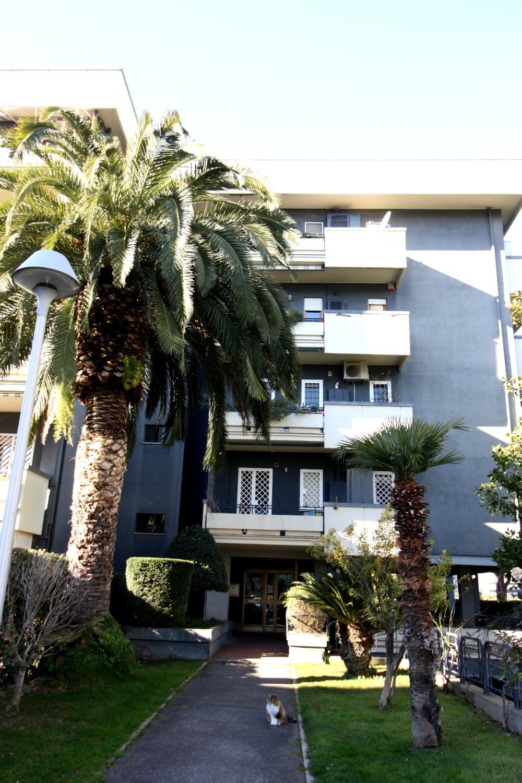 Appartamento in vendita a Roma, 4 locali, zona Zona: 22 . Eur - Torrino - Spinaceto, prezzo € 560.000 | CambioCasa.it