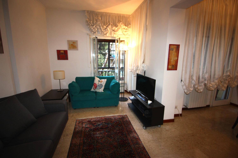 Appartamento in affitto a Roma, 4 locali, zona Zona: 22 . Eur - Torrino - Spinaceto, prezzo € 1.400 | CambioCasa.it