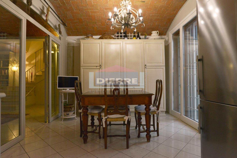 Appartamento in vendita a Correggio, 4 locali, prezzo € 350.000 | PortaleAgenzieImmobiliari.it